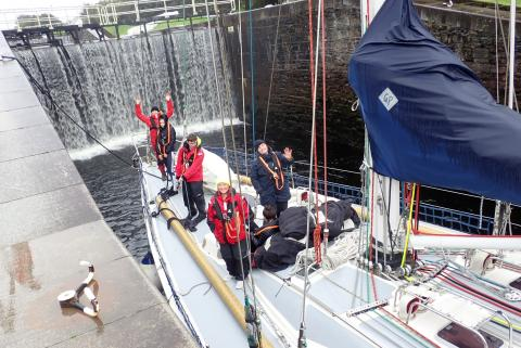 Young people taking part in the sailing challenge